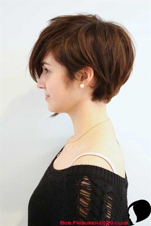 Ausgewachsene KurzhaarFrisuren werden zu kurzen Bob frisur auf goldbraunem Haar